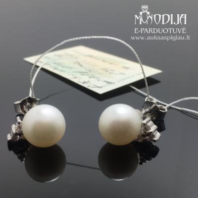 Balto aukso auskarai su briliantais ir perlais