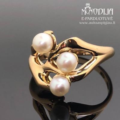 Vintažinis 750 prabos aukso žiedas su upiniais perlais