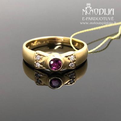 Auksinis žiedas su briliantais ir rubinu
