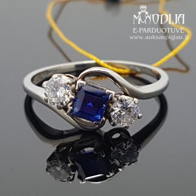 Balto aukso žiedas su briliantais ir safyrais
