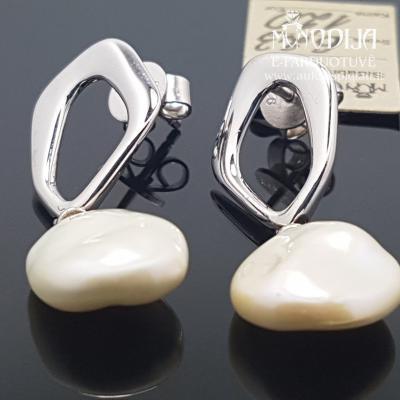 Sidabriniai auskarai su perlais