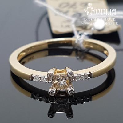 Geltono aukso žiedas su briliantais ir deimantu