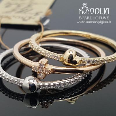 Trys auksiniai žiedai, širdelė, burbulas ir kryželis